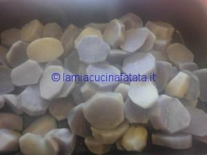 patate blu tagliatelle e genovese 022